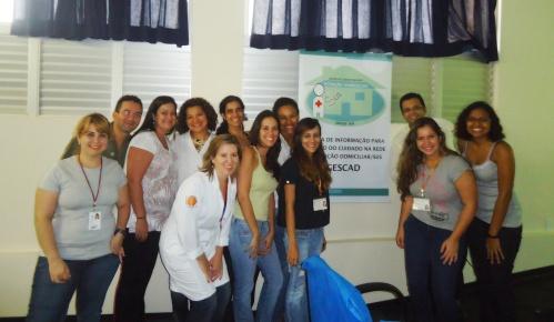 Estudantes e docentes da ESCS/FEPECS  com a equipe do NRAD da regional do Paranoá